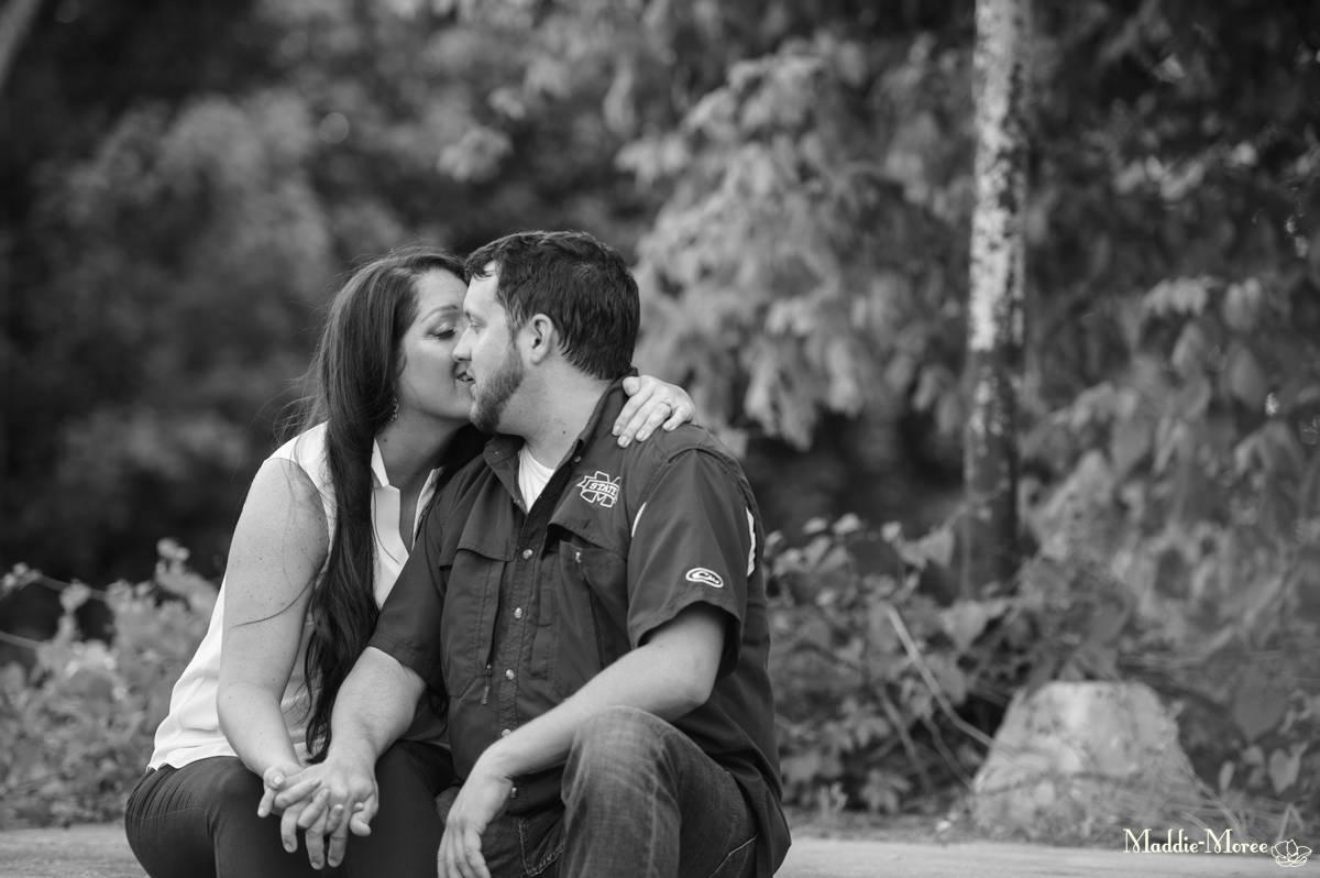 Arlington engagement photographer maddie moree