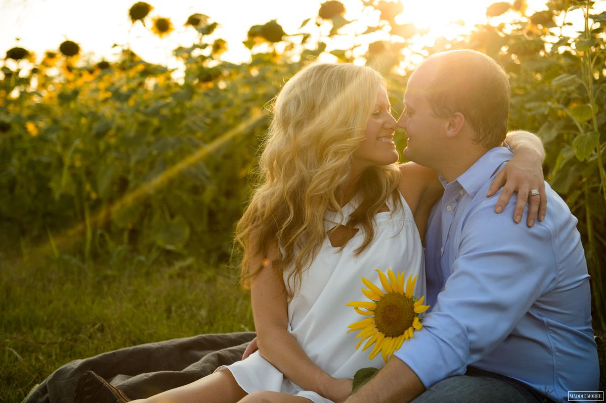 Brad and Natalie: A Sunflower Field Engagement