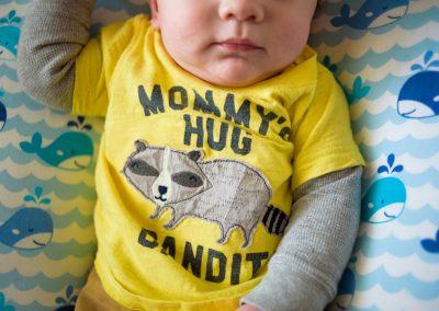 Mommys hug bandit Madison Yen Family Portraits 750_8614