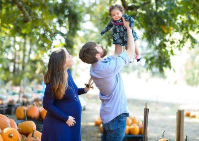 Pumpkin Patch Madison Yen Family Portraits M4S_1272